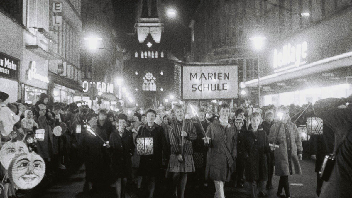 Martinszug 1962 in Krefeld.  Foto: Stadtarchiv Krefeld